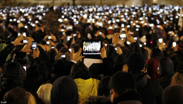 Mobile Devices Crowd